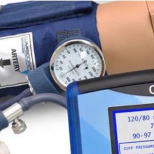Harjoituskäsi verenpaineen mittaukseen + OMNI 2